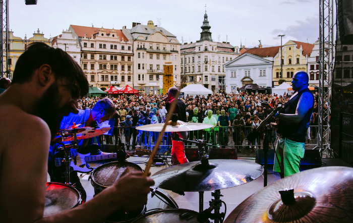Vivis Street festival entertain Pilsen during the whole summer.